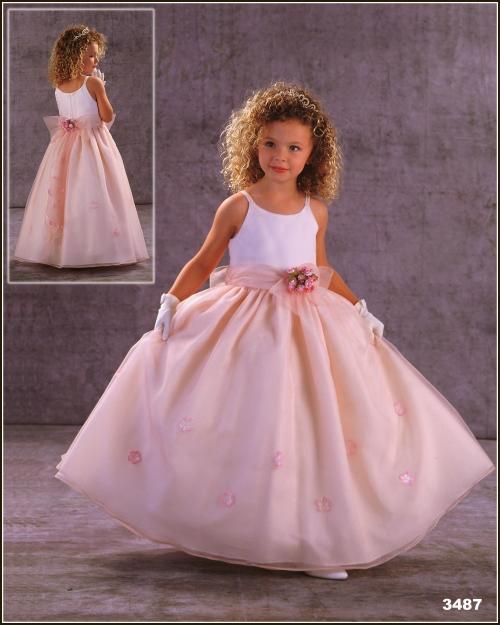 Geliu mergaiciu sukneles