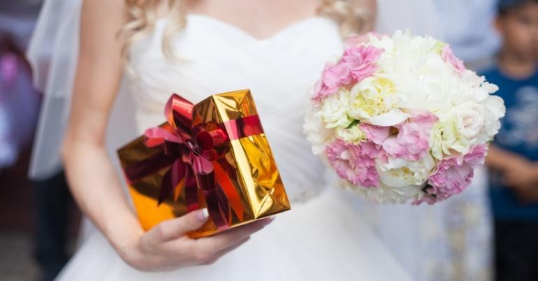 Kitokios dovanų idėjos jauniesiems vestuvių proga