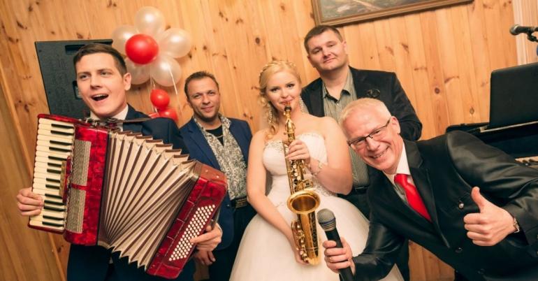 Profesionalūs muzikantai + renginio vedėjas